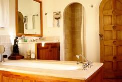 35 - La Bastide salle de bains chambre maître_1