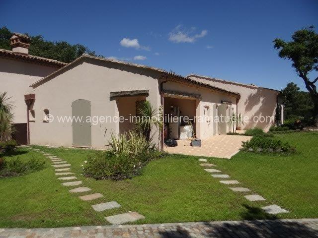 Maison neuve agence immobili re de ramatuelle for Agence immobiliere achat maison