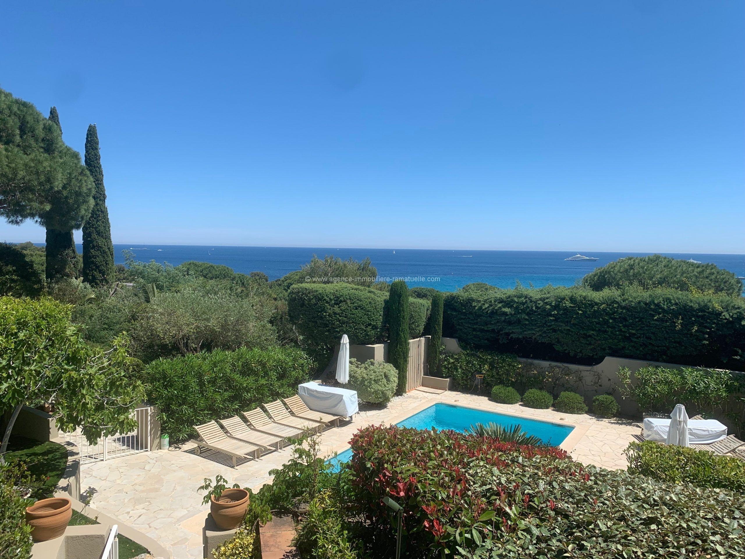 Sublime villa neuve style contemporaine à l'Escalet avec vue mer Ramatuelle
