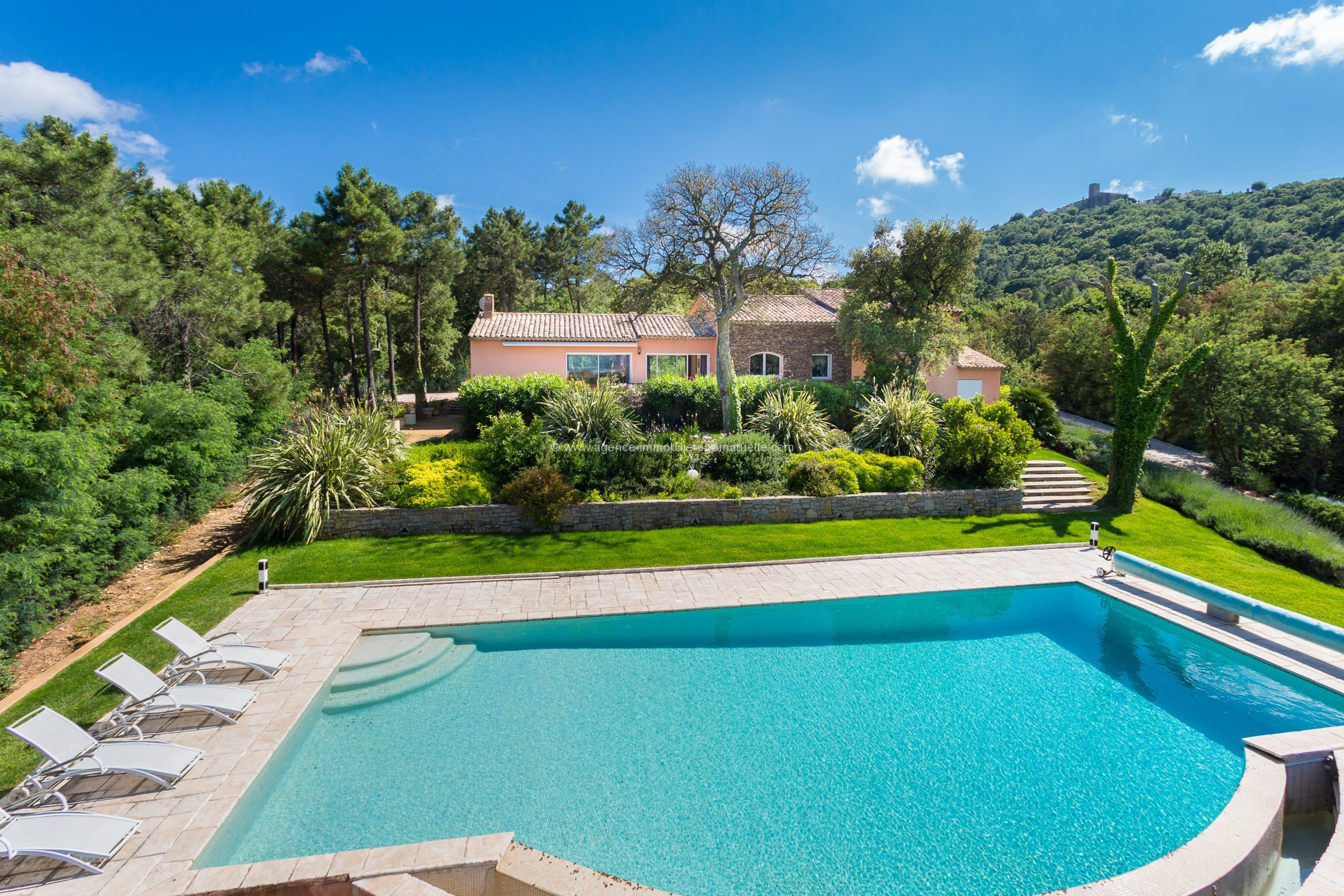 Beautiful provencal house with pool and Seaview – Gassin