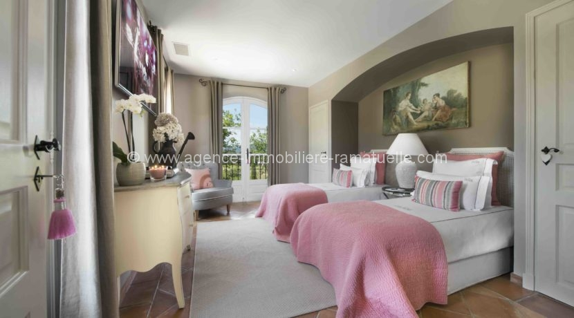 12 Pink Room