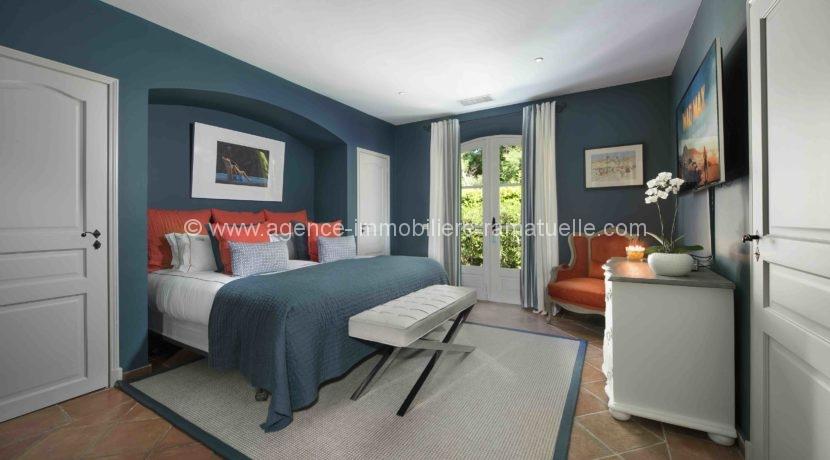 14 Blue Room