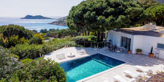 Contemporary villa with a splendid sea view very close to the beach – Ramatuelle