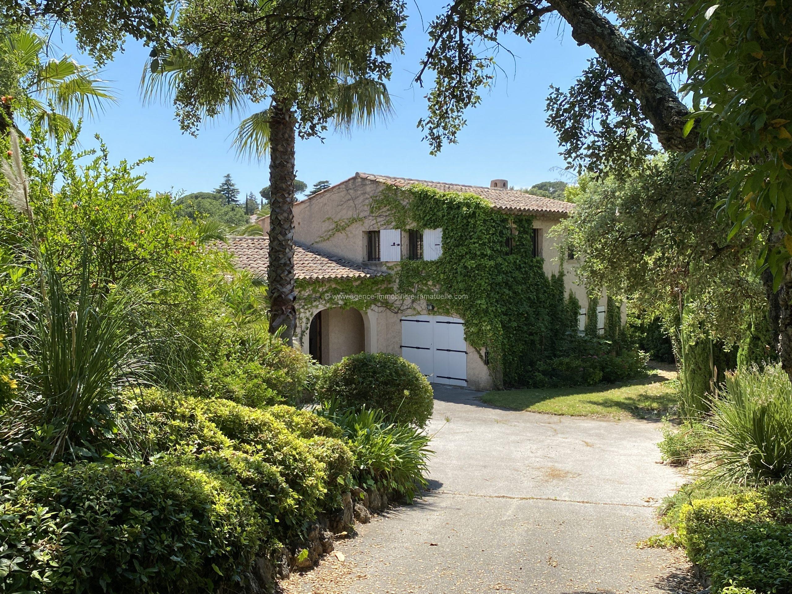 EXCLUSIVITE : Belle villa de charme à Beauvallon Bartole – Grimaud